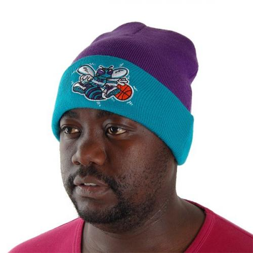 Mitchell & Ness NBA Charlotte Hornets Beanie Purple MN-NBA-EU174