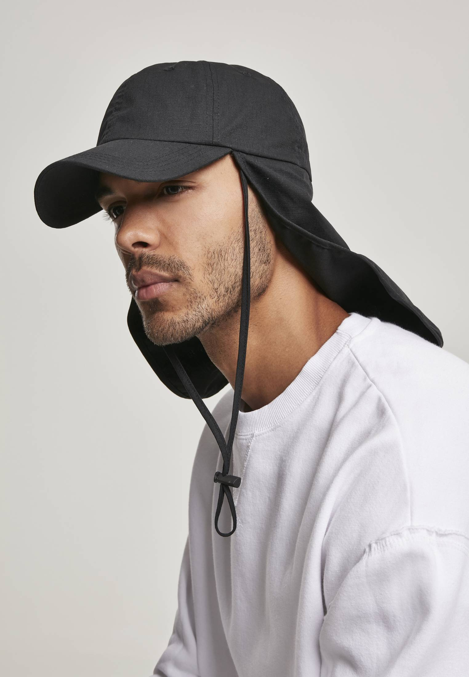 Urban Classics Cap with Sun Protection black - One Size