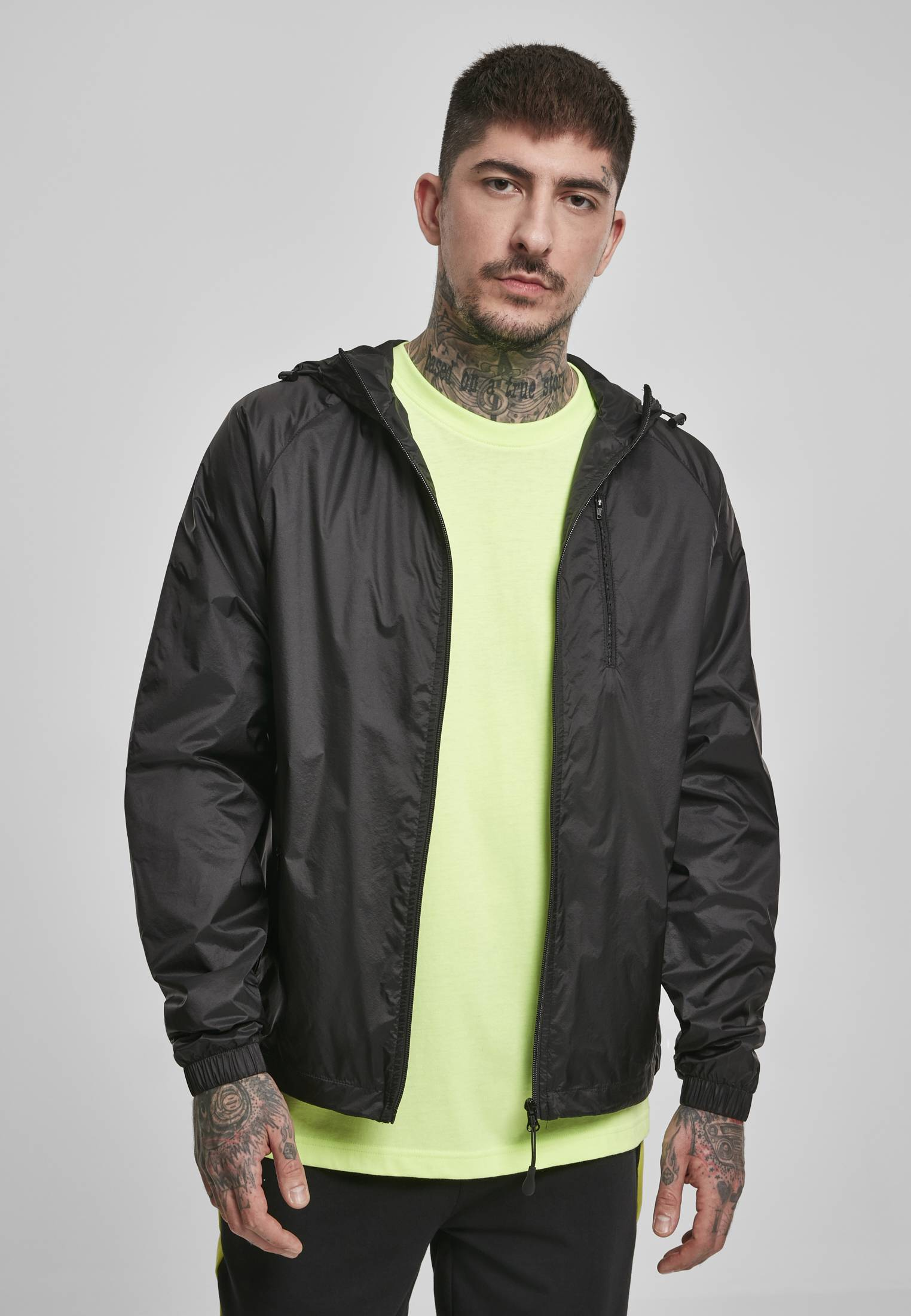 Urban Classics Super Light Windrunner black - L